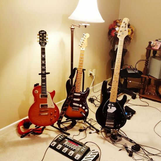 Musician's Life! Love It! Love What Does Music Look Like To You? Guitars Musical Instruments Check This Out Picoftheday Music Is My Life Guitarhero Hot Dreams