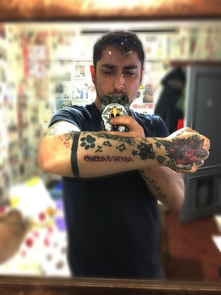 One Person Young Adult Tattoo Real People Young Men Standing Lifestyles Leisure Activity Indoors  Holding Day One Young Man Only One Man Only Close-up Adult People Newtattoo (null)Icadiye Madentattoo Tattooed Tattoos PabloEscobar Escobar Plataoplomo
