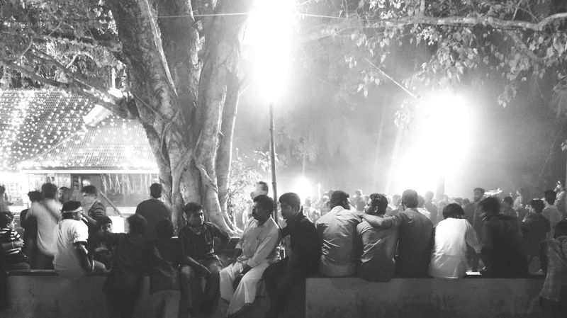 Black And White Conversations People Daily Life India Nightphotography Peoplephotography RePicture Friendship Friends