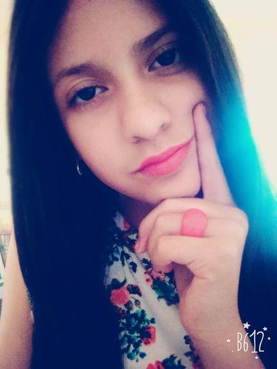 Y llamalo como tu quieras,lo que tu digas me resbala,yo solo vivo a mi manera.......😒💔