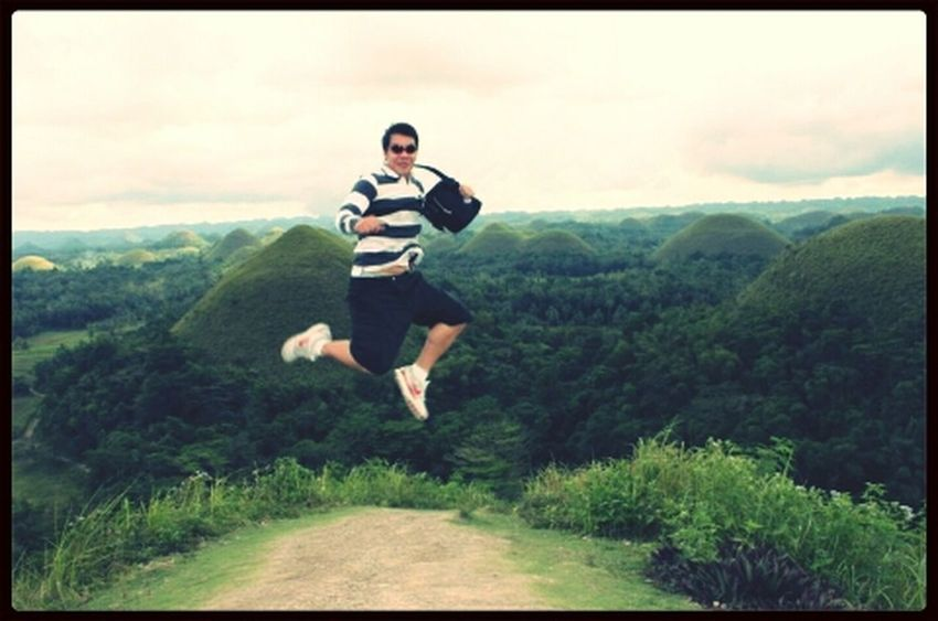 The Story Behind The Picture Pray for Visayas Bohol Chocolatehills