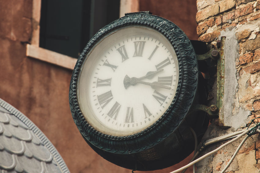 Time goes by EyeEm Best Shots Venezia Time MR7 Samsung GalaxyS9+ Historic Building Settlement Hour Hand Residential Structure Clock Hand Roman 12 O'clock Instrument Of Time Wall Clock Time Zone