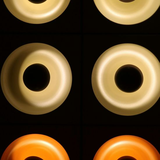 #PopArt #vernerpanton #SPIEGEL Circle No People Symmetry Full Frame Close-up Black Background