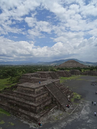 Amazing View Architecture Beautiful Cloudscape Historical Building History Through The Lens  Mexico Pyramid Pyramids Temple Of The Moon Templo De La Luna Teotihuacán Pyramids Travel Photography Traveling Ancient Civilization Architecture Blue Sky Clouds Mexico_maravilloso Mountain Range Outdoors Scenics Temple Of The Sun Teotihuacan Travel Destinations