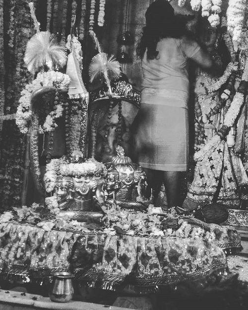 ShivaRatri Shivalingam Temple Pujari Mataparvati Bnw B_n_w Monochrome Instaedit IndianFestivals India Celebrations Festive HarHarMahadev Bambambhole Mahadev 😍😍🙏🙏