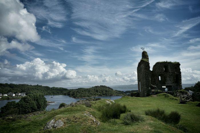 Tarbert, Scotland Taking Photos Scotland Eye Em Scotland Travelphotography Travelingtheworld  Travel Photography Castle Castle Ruin Castles Loch