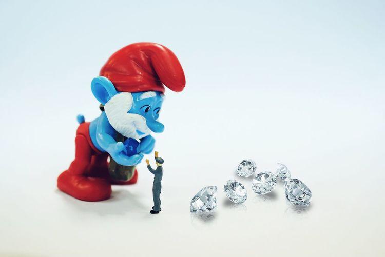 Done That. Minifigure Toy Smurf Papasmurf Studio Shot White Background Diamond papa smurf