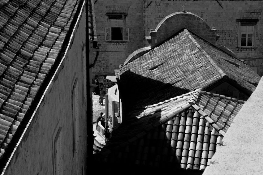 View for old city walls Archineos Croatia Old City Walls Dubrovnik Silhouette Ugo Villani Architecture Architettura B&n B&w Bianco E Nero Black And White Blanco Y Negro Building Exterior Croazia Dubrovnik Monochrome Old City Outdoors Shadows