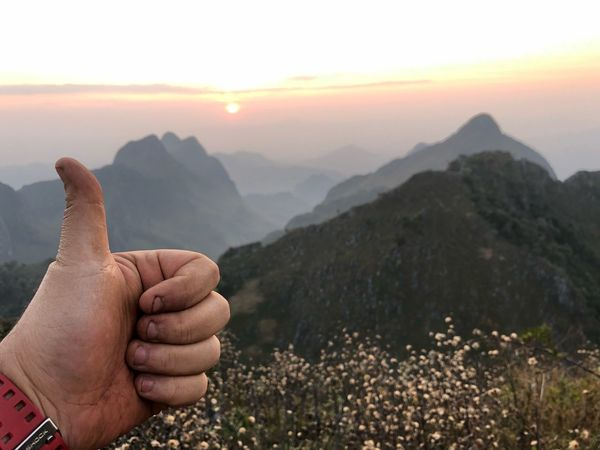 Very good EyeEm Selects Mountain Human Hand Real People Human Body Part Human Finger One Person Close-up Adult Outdoors Mountain Range Lifestyles Scenics Landscape Nature Beauty In Nature Day Men People Sky