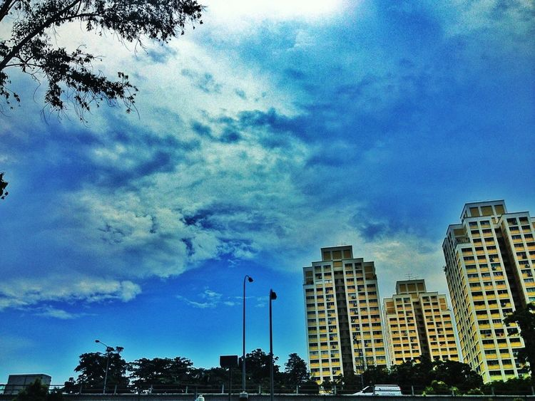 Streetphotography Clouds And Sky #sunset #sun #clouds #skylovers #sky #nature #beautifulinnature #naturalbeauty #photography #landscape Eye4photography