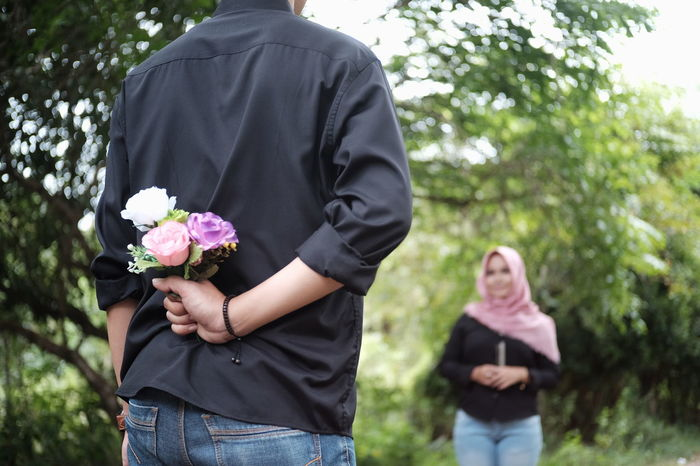Flower Adults Only Two People Focus On Foreground Happiness Holding Togetherness Couple - Relationship Standing Bouquet Couple Portrait Couples In Love Couple Photography Love Love Photography Lovers Couplegoals Couples Stated The Love Enggagement Enggagementphoto Prewedding Photo Prewedding Photography Prewedding_indonesia Prewedding