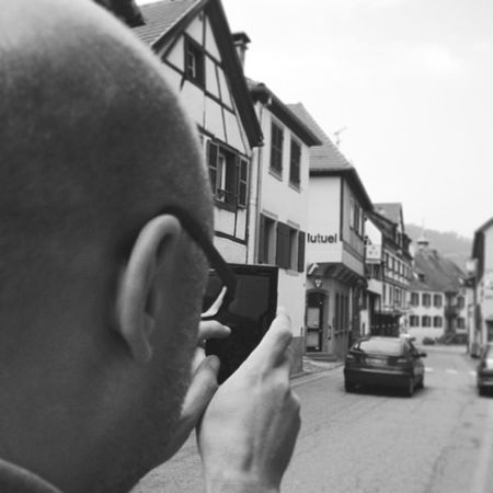 He just started to love taking some photos with his mobilphone. Mayby I'll be able to make him start using instagram. Alsace