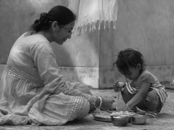 My first try with black and white photography..Mypointofview Untold Story India Society Baby Babylove People Life Mother Untold Story Motherhood Blackandwhite B&w Black & White Black And White Black And White Photography Indian Indianculture Culture Mother & Daughter Mother And Daughter Mother And Child Home Is Where The Art Is