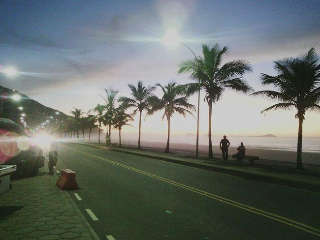 amanhecer na praia..