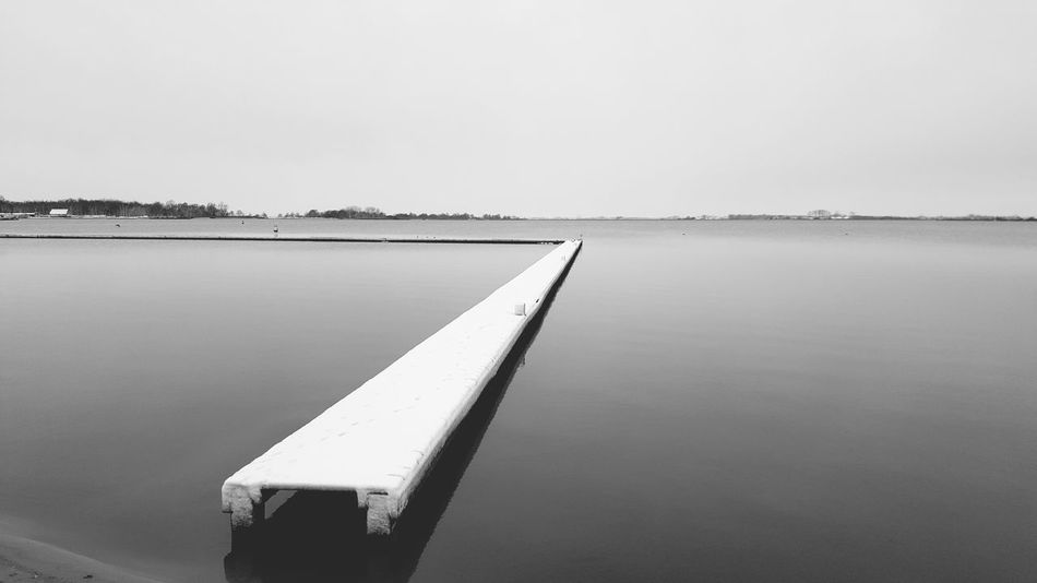 Angeles Boat Stop Enter Blackandwhite S6edgephotography Water Lake No People Outdoors Sky Tranquility