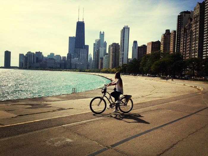 Chicago Riding Bike Sea On The Run