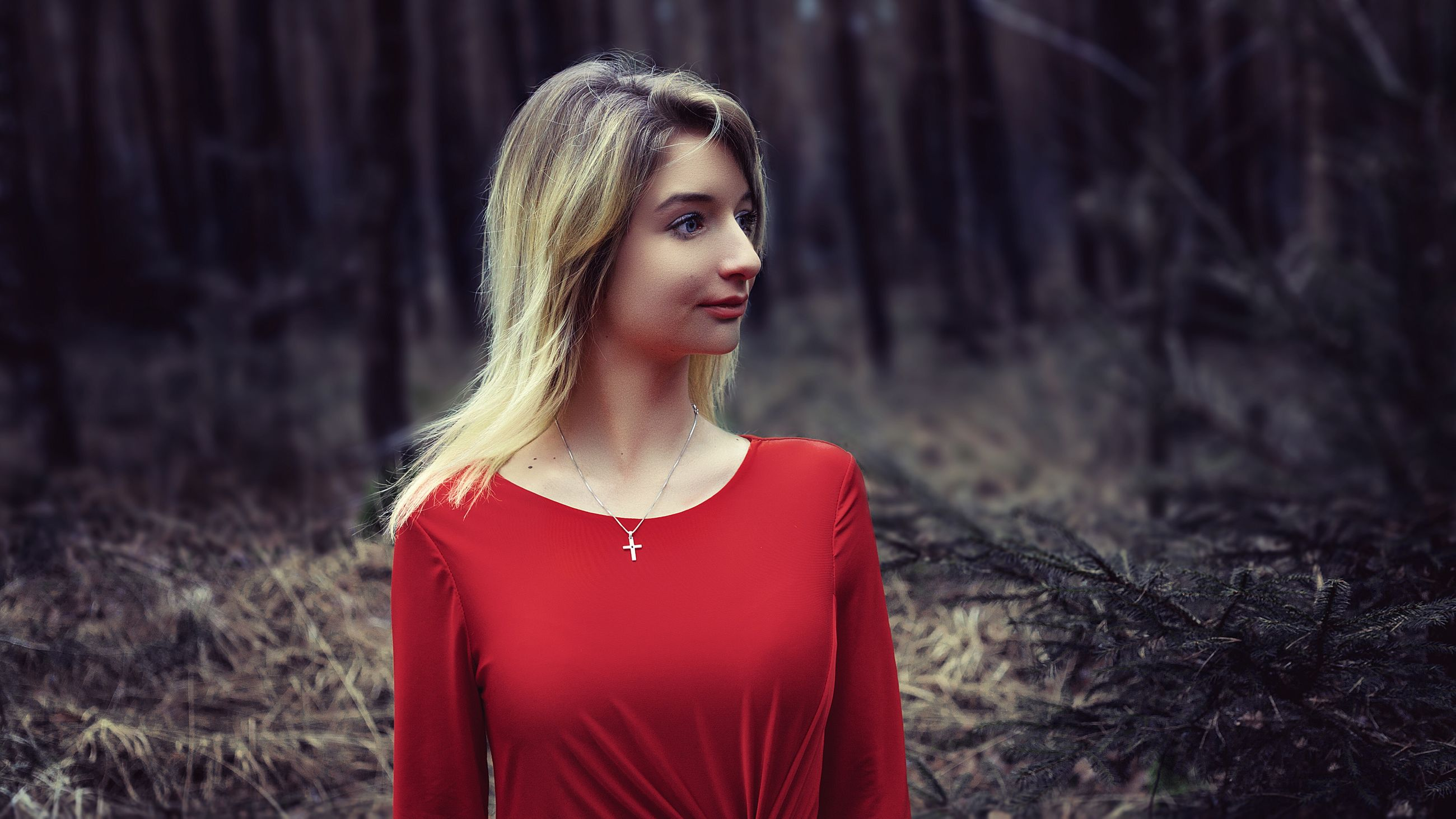 real people, one person, young adult, sweater, growth, happiness, portrait, young women, beautiful woman, day, nature, outdoors, tree, one woman only, people