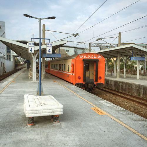 火車站,總是老的有味道。foto:mansam