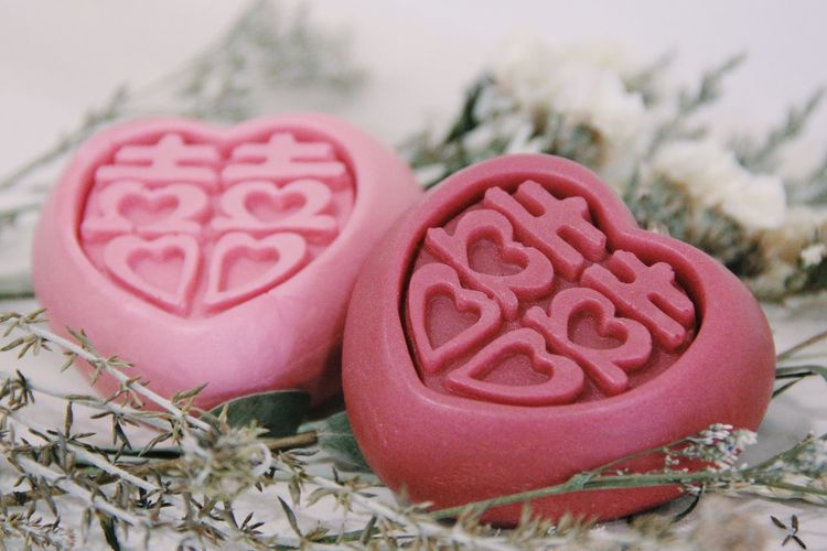 Close-up of heart shape with pink flowers