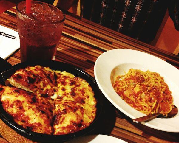 Cheesy Pizza Pasta Italiana Pizza Hut  just a sudden date. 😘