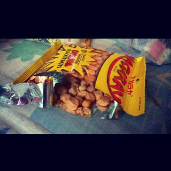 my super favorite nagaraya original flavor. ;) Food Nuts Nutcrackers Nagaraya yellow foodgram junkfood