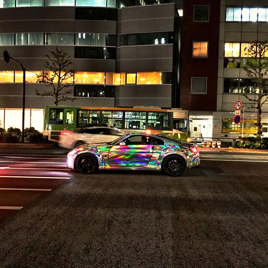 目立つにもほどがあると思ったけれど、これって、玉虫色、で良いんですかね?(笑)日中に見たらそこだけソフトフォーカスみたいになるのかしらん。w Light And Shadow Rainbow Iridescent Color Iridescent  Car Colorful