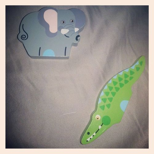 You know you have a toddler when you wake up to an elephant 🐘 and an alligator 🐊 in your bed... 😒 SheToldMeToSshhhWhenIFoundThem SheSaidRawr IWasScared Not Toddlerproblems LilosWorld