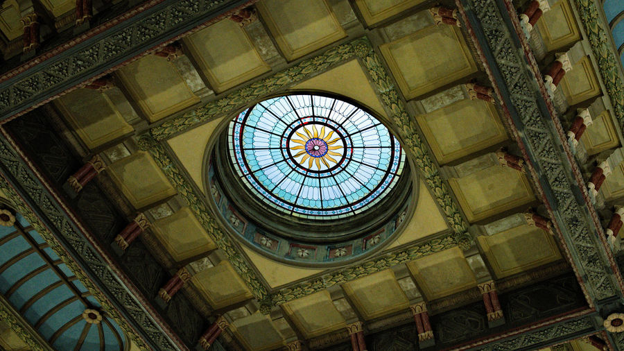 Oculus Architecture Ceiling Indoors  Low Angle View No People Pattern Skylight