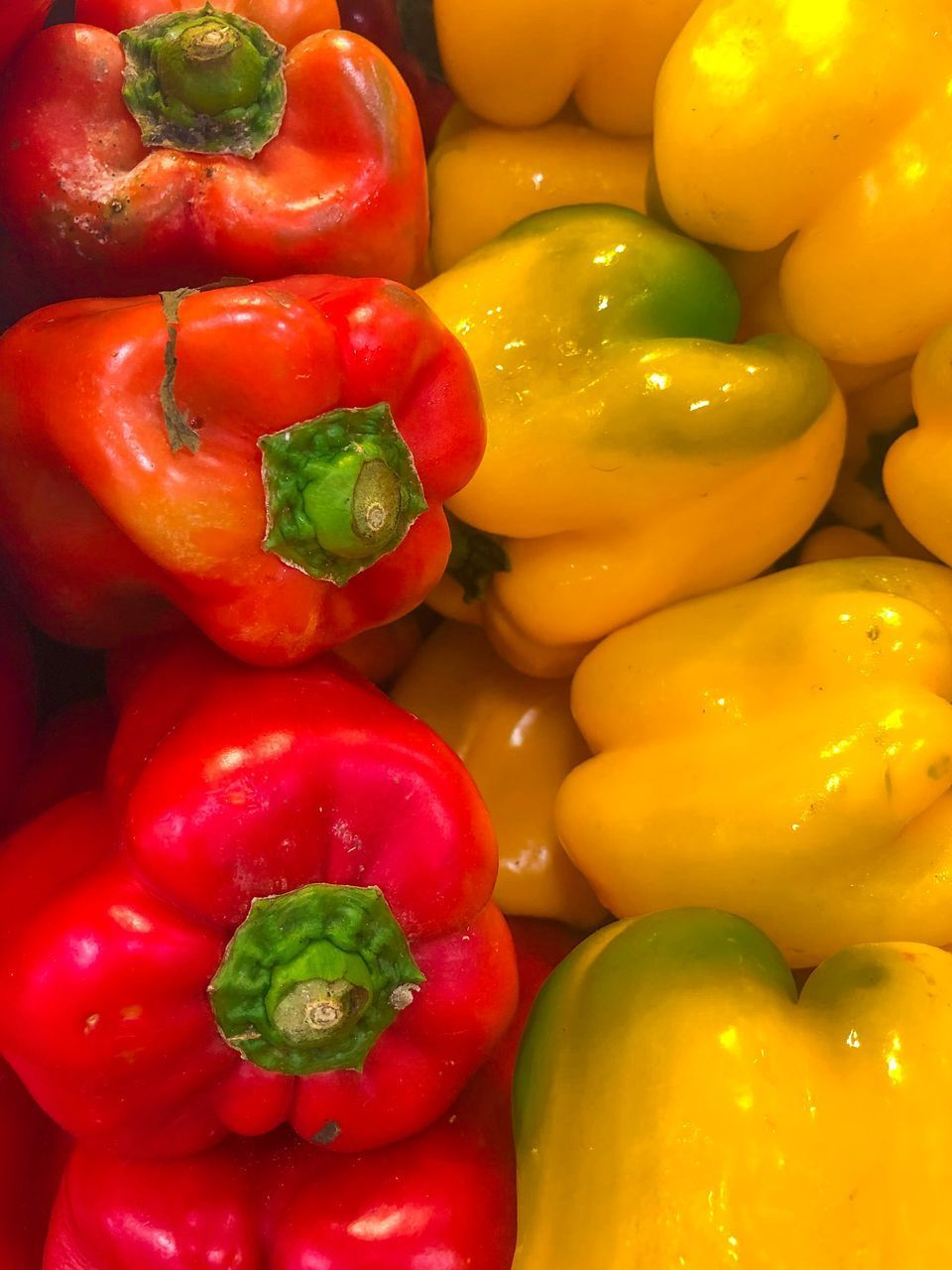 vegetable, food and drink, food, pepper, bell pepper, freshness, wellbeing, healthy eating, large group of objects, red, backgrounds, still life, full frame, red bell pepper, for sale, close-up, no people, market, raw food, retail, paprika