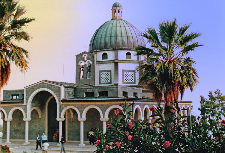 The Church of the Beatitudes - Galilee, Israel Architecture Sky Tree Spirituality Day Outdoors Religion Palm Tree Dome Christianity No People Palm Trees ❤❤ Place Of Worship Travel Destinations Building Exterior Built Structure Church Of The Beatitudes A Taste Of Israel Galilee, Israel Rose Garden, Israel