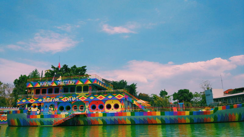 mural colorfull in the ship Wonderful Indonesia INDONESIA Lightroom Cc Goodpict Landscape Sunlight Colorfull Color Colors Ship Kapal Photography VSCO Tree City Boat Snow Covered Tall Ship Passenger Ship Water Vehicle