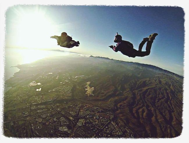 Volando al sur de mi isla, Gran Canaria junto a mi instructor Skydive Skydiver Frefall Skyjump Fly Flying GranCanaria Sky Dawn