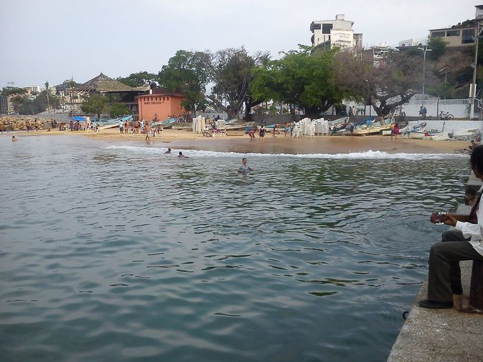Hello World Hanging Out Check This Out Playa Tlacopanocha Acapulco