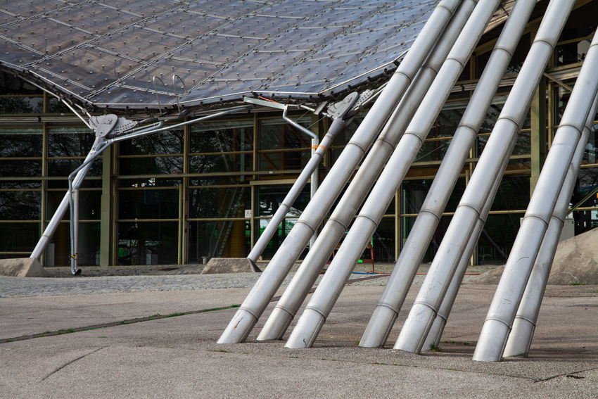 Wie gewachsen Architecture Building Building Exterior Built Structure City Day Footpath In A Row Land Metal No People Olympiapark Olympiaparkmünchen Outdoors Pattern Pipe - Tube Railing Roof