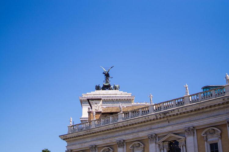 Sculpture Sky