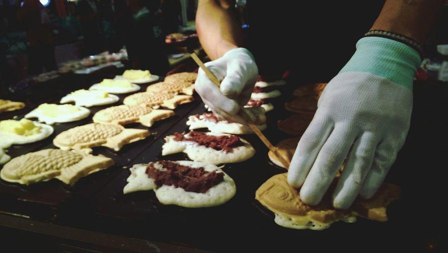Chef preparing cakes