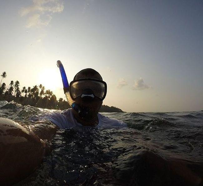Bonjour Bintan Documentary Dailylife Bintan  Bonjour Sea Wonderfulkepri  1000kata Pewartafotoindonesia Pfikepri SijoriImages Yuliseperi Photojournalist Freelancephotographer Reportagespotlight Selfie