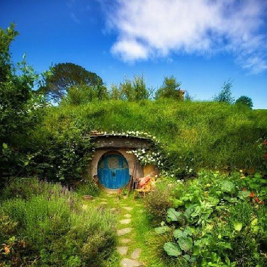 Take me away to The Shire. Theshire Shire TheLordOfTheRings LOTR hobbit nature beautiful