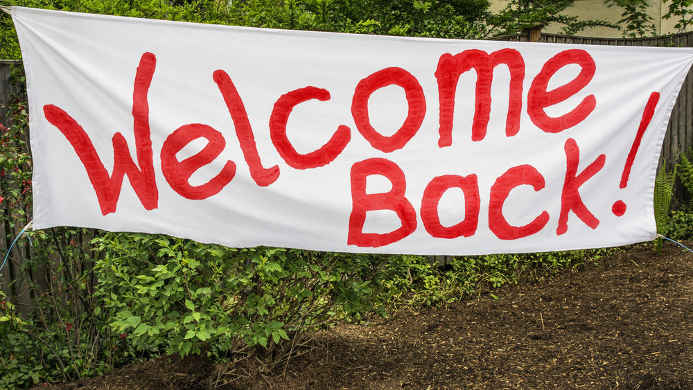 Welcome Back Banner Celebration Get Together Greeting Home Sweet Home Homecoming Returning Home Reunion  Back To School Banner Banner - Sign College Reunion Communication Handmade Sign Journey's End No People Outdoors Red School Reunion Text We Missed You Welcome Welcome Back  Welcome Back Sign Welcome Banner Welcome Sign