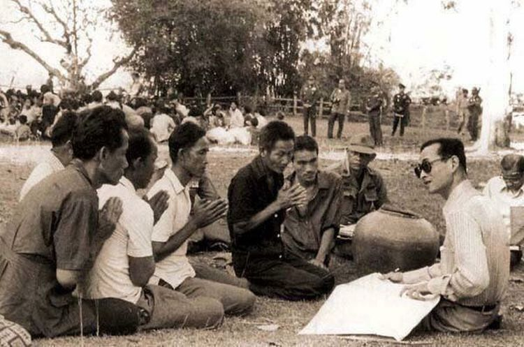 KingBhumibhol KingramaIX Thailand 🇹🇭🖤