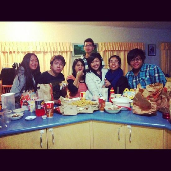 Youthnight Feast Junkfoodoverload Maccas friesburgersfattygoodnessfatlifeyolo @janemariea @mremz darylcruz @aneras_ @xatienzax ♥♡♥ @miichellejoyy @mint0616