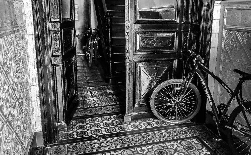 EyeEm Gallery EyeEm Best Shots Seen On My Walk Taking Photos Check This Out Hello World Walking Around Relaxing Ladyphotographerofthemonth Chilling Out Mobilephotography StillLifePhotography Black & White Home Is Where The Art Is Eyeem Black And White Photography EyeEm Black&white! Bycicle Entry Eyeemphotography Old House Floor Groundfloor Still Life Blackandwhitephotography Steps Be. Ready. Black And White Friday Mobility In Mega Cities