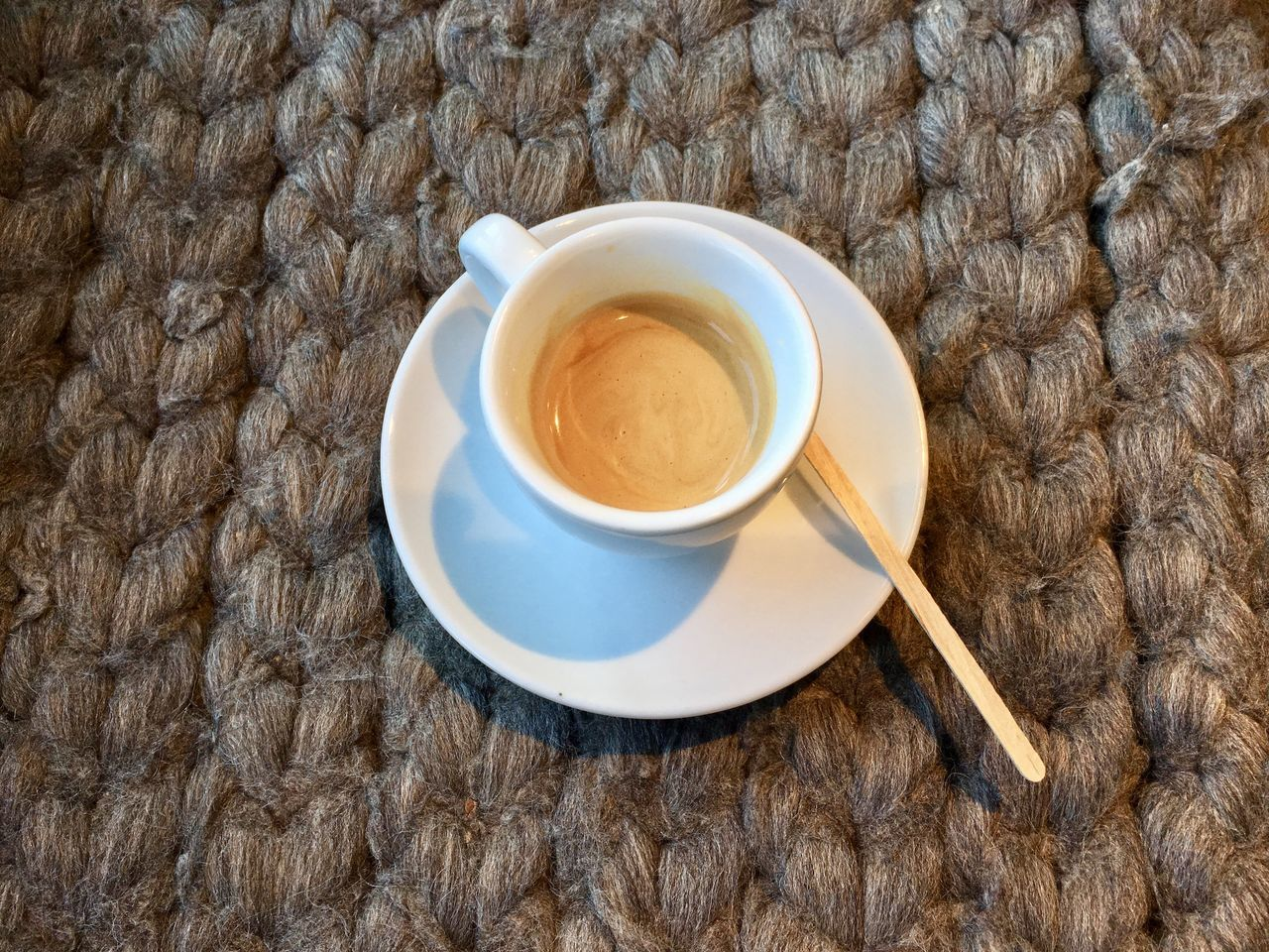 drink, coffee cup, refreshment, food and drink, coffee - drink, indoors, high angle view, table, no people, saucer, directly above, freshness, close-up, day