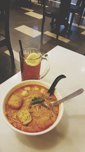 Food And Drink Beverages Noodle Curry Noodles Mee Curry Bowl Spicy Food Gravy Drink Drinking Glass City Fruit Food And Drink Close-up Ice Tea Serving Size Temptation