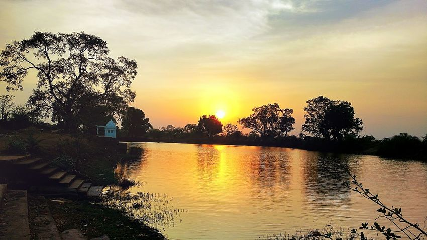 Village Sundown Sunset Hot Weather Pond Landscape Moto X Play