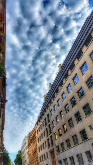 Sky Taking Photos Popular Streetphotography Perspectives Profound The Way I See It Randomness Walking Around Travel Photography