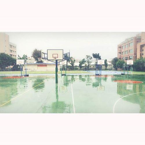 Rainy Basketball School Rain Ball 雨 雨天 球場 學校