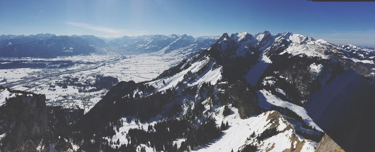 EyeEm Selects Mountain Snow Mountain Range Cold Temperature Nature Winter Beauty In Nature Snowcapped Mountain Scenics Weather Day Tranquil Scene Tranquility Outdoors Sunlight Sky No People Landscape