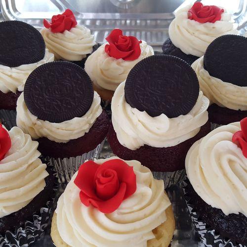 Kandkcupcakes Cupcakes Dessert Oreos Frosting Cupcakes Frosting Roses Red Velvet Cupcakes Chocolate Chocolate Cupcakes