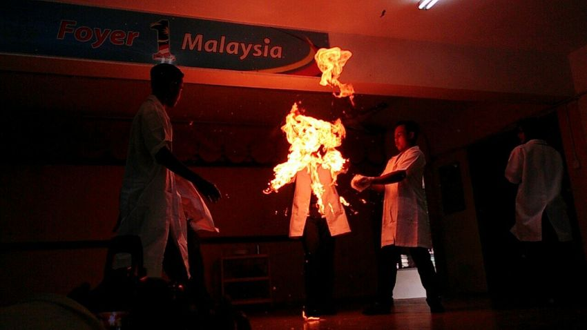 been a while since I posted some shots. So here it is. taken by me on my school's science show. Fire Professionalphotography Professor School Time  School School Uniform Scientist Scienceworld Science Project Chemistry
